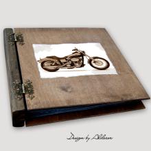 album drewniany MODENA duży 75 kart motyw motocykla 3