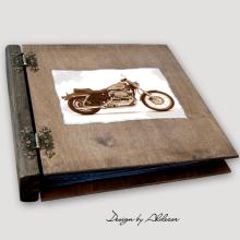 album drewniany MODENA duży 75 kart motyw motocykla 4
